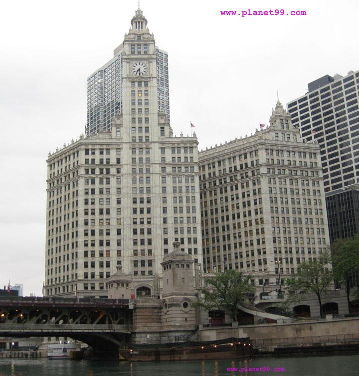 Wrigley Building , Chicago