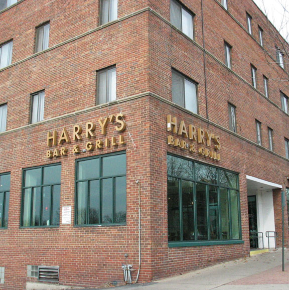 Harry's Bar and Grill , Milwaukee