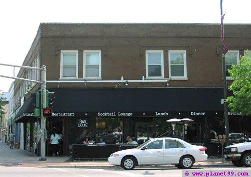 Bar Louie , Evanston