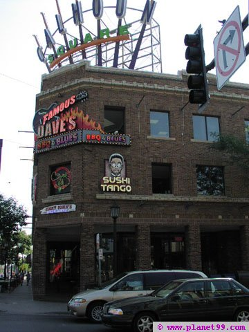 Famous Dave's BBQ and Blues , Minneapolis