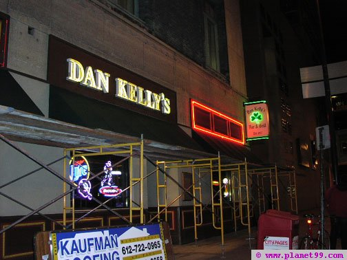 Dan Kelly's Bar and Grill , Minneapolis