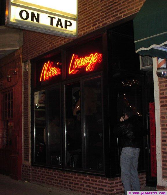 Nisei Lounge , Chicago