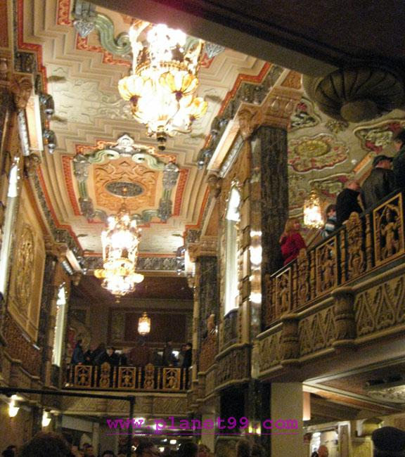 Oriental Theater , Chicago