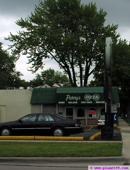 Perry's Pizza , Clawson