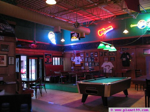 Chicago , Damen Avenue Sports Bar
