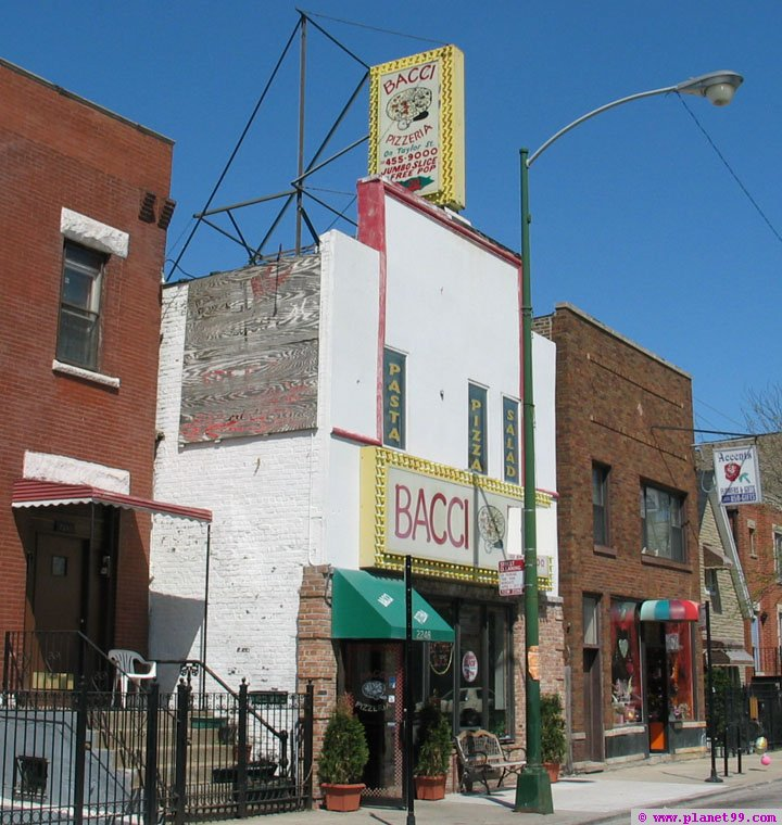 Bacci Pizzeria , Chicago