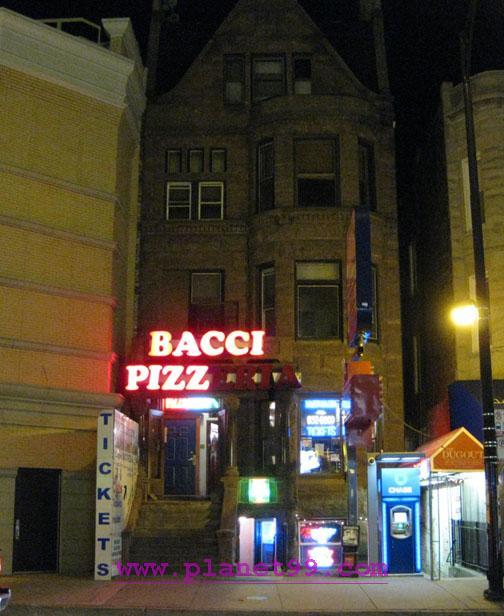 Bacci Pizzeria , Chicago