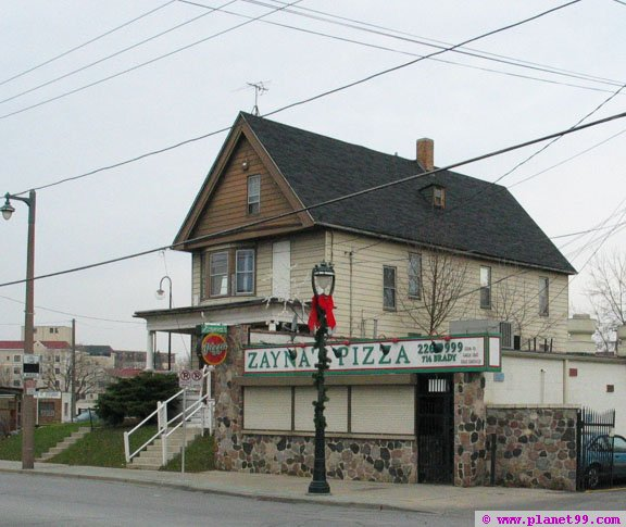 Zayna's Pizza , Milwaukee
