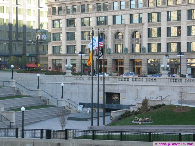 Vietnam Veterans' Memorial Plaza , Chicago