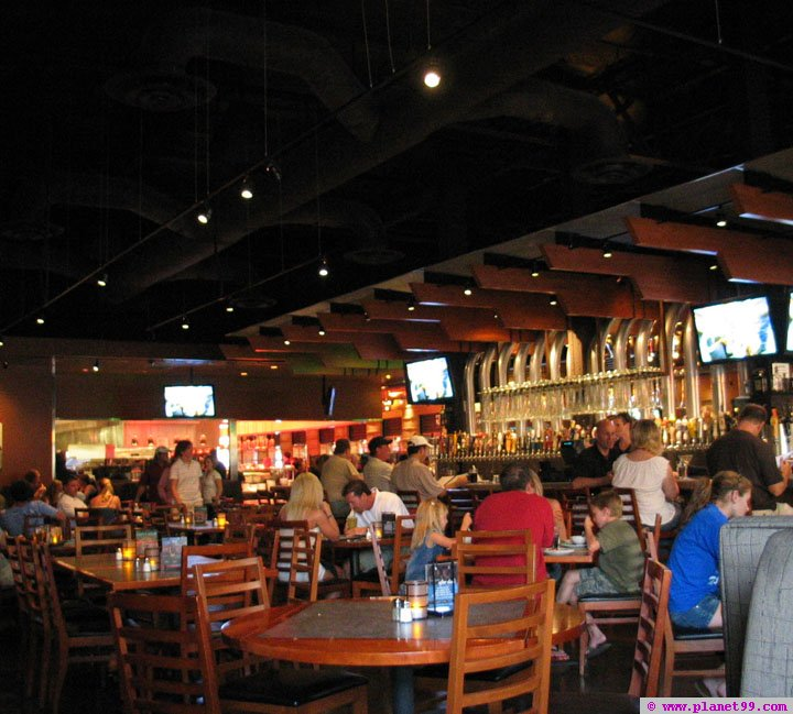 Backyard House Restaurant : Yard House Restaurant