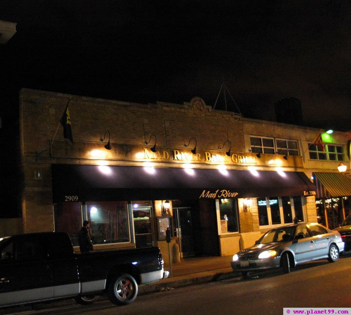 Mad River Bar and Grill , Chicago