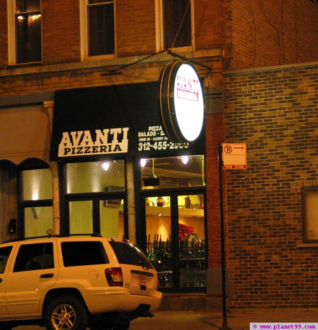 Avanti Pizzeria , Chicago