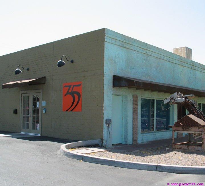Trente-Cinq 35 , Phoenix