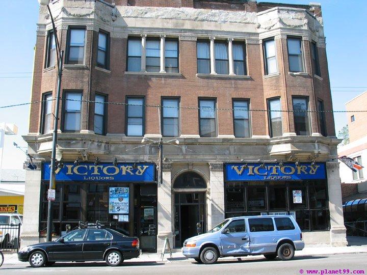 Victory Liquors Bar , Chicago
