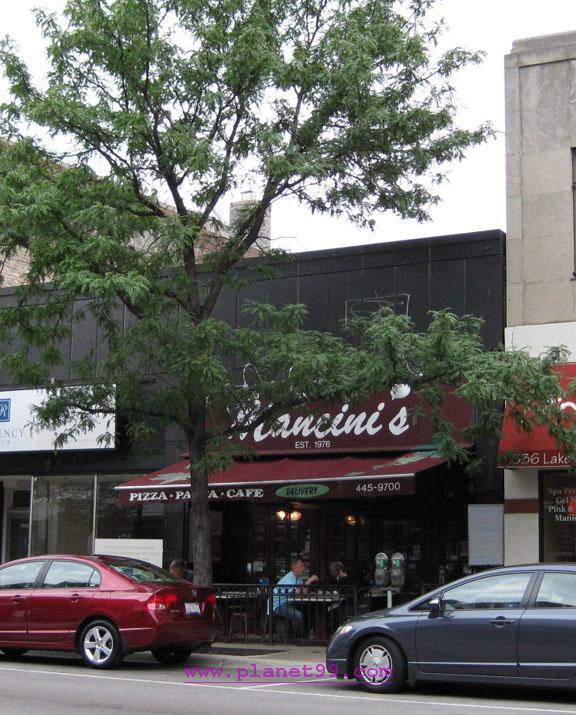 Mancini's , Oak Park