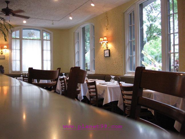 Hemmingway's Bistro , Oak Park