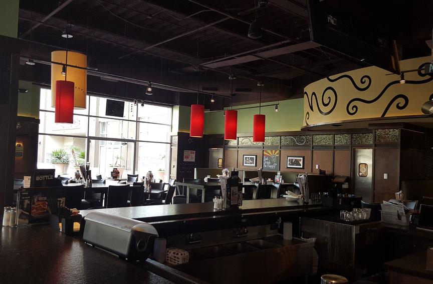Bar Louie , Glendale