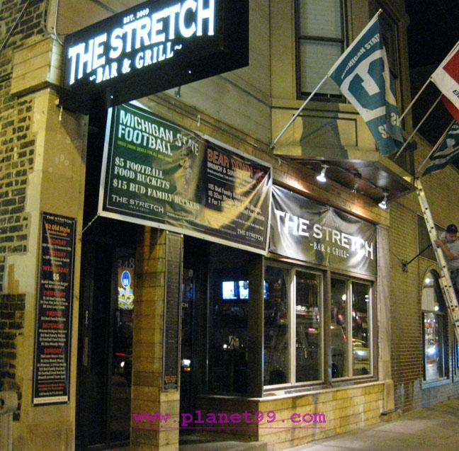 Stretch Bar and Grill , Chicago