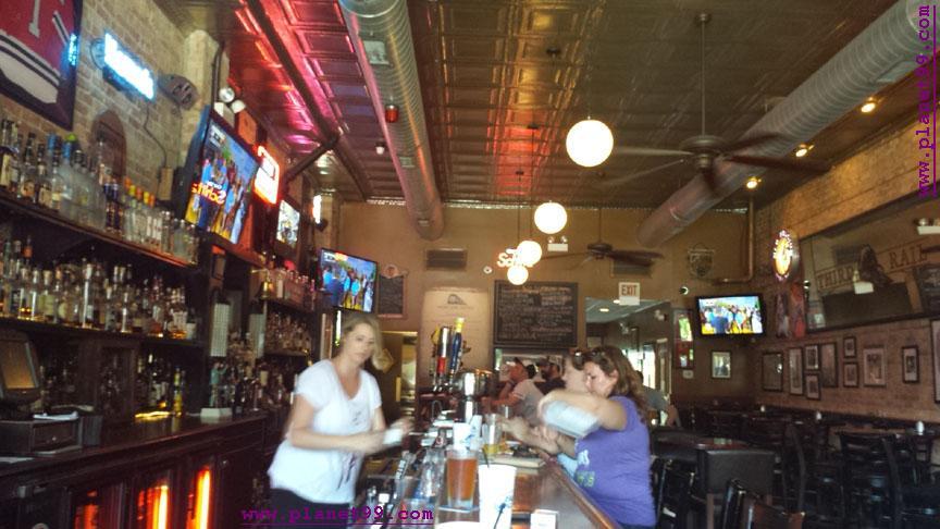 Third Rail Tavern , Chicago