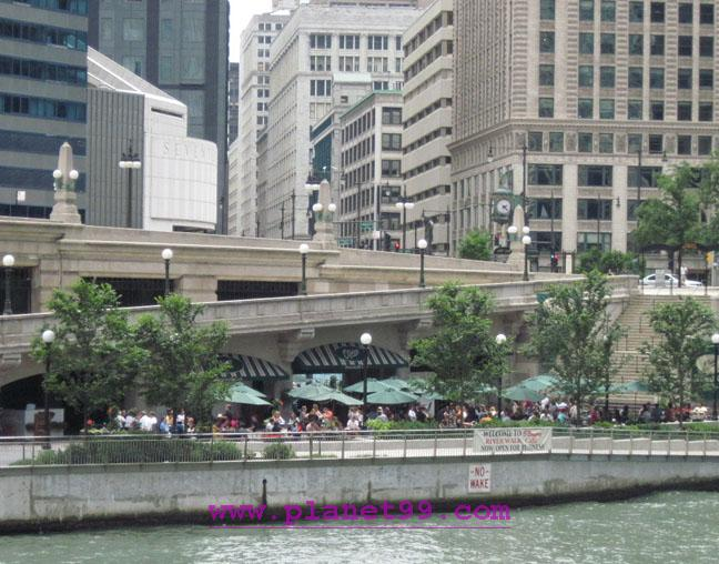 O'Brien's Riverwalk , Chicago