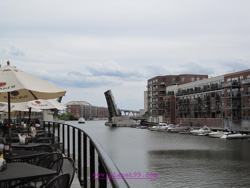 Ryan Braun's Waterfront Grill , Milwaukee