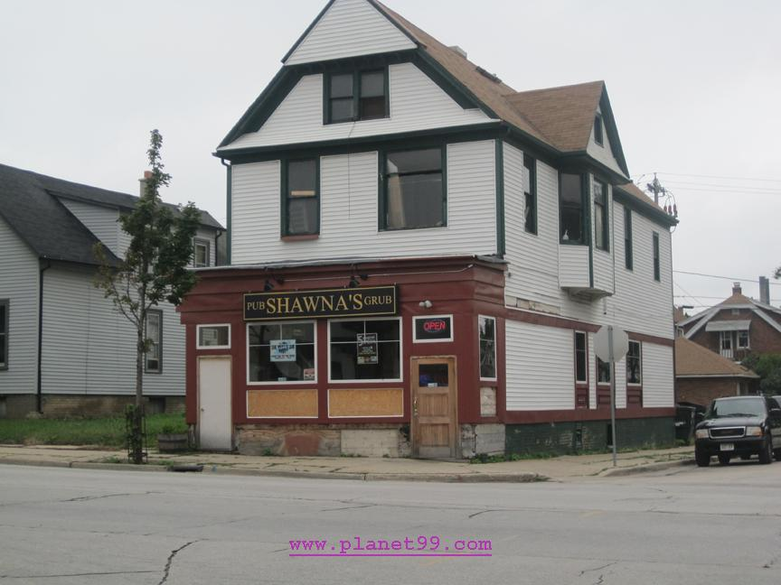Shawna's Pub and Grub , West Allis