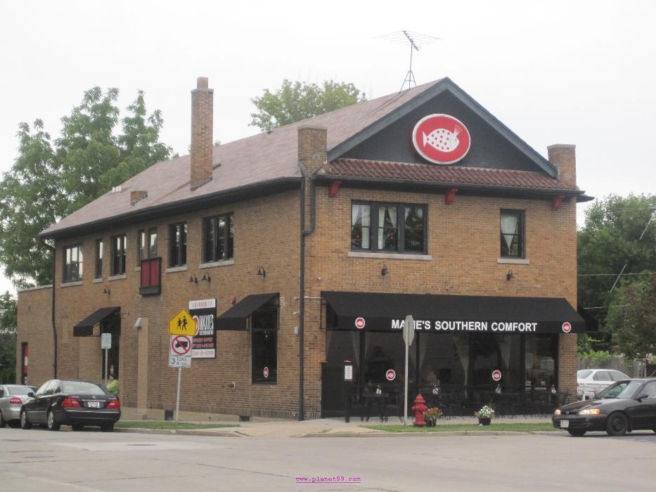 Maxie's Southern Comfort Restaurant , Milwaukee