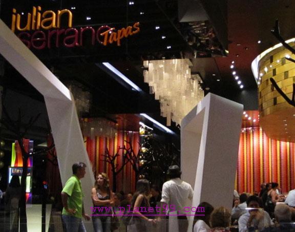 Julian Serrano , Las Vegas