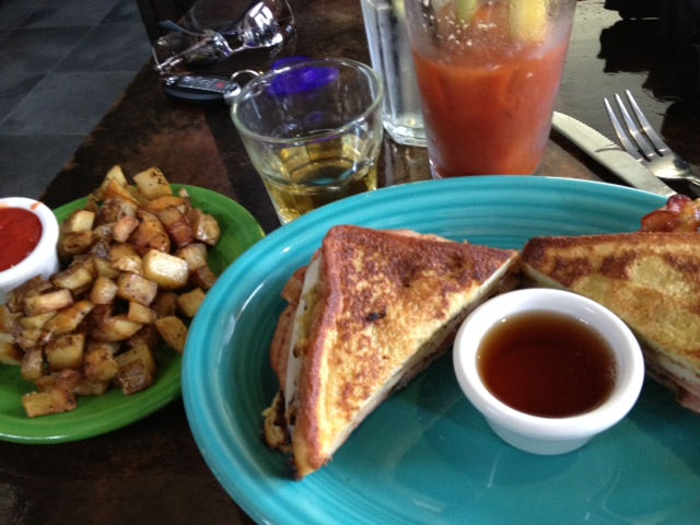 Crisp Pizza Bar and Lounge , Milwaukee