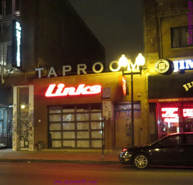 Links Taproom , Chicago