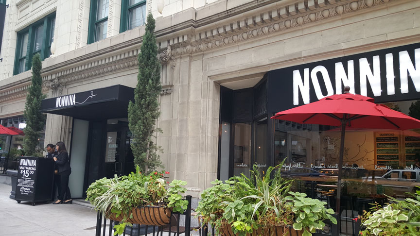Nonnina , Chicago