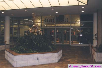 Milwaukee , Grand Avenue Mall