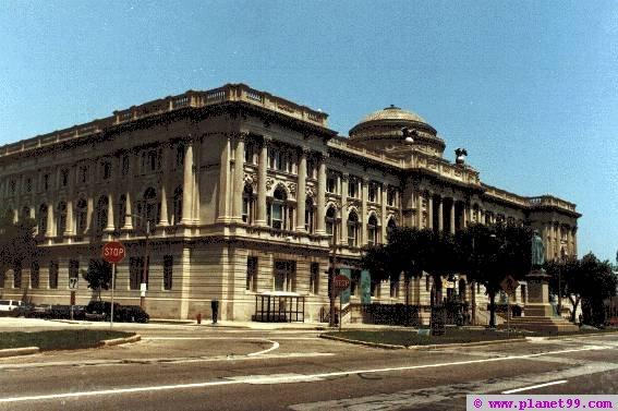 Milwaukee Public Library , Milwaukee