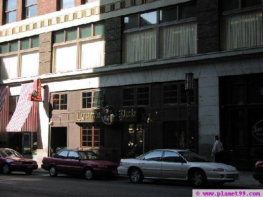 Minneapolis , Lyon's Pub