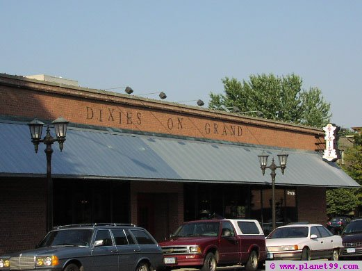 Dixie's Smokehouse Bar and Grill , St Paul