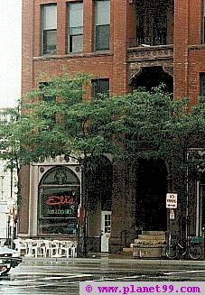 Minneapolis , Eli's Bar and Grill