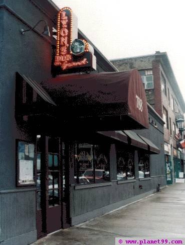 Lyon's Pub On Grand , St Paul