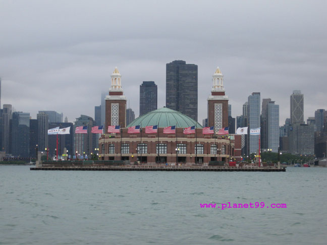 Navy Pier , Chicago