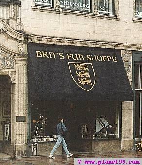 Minneapolis , Brit's Pub Shoppe