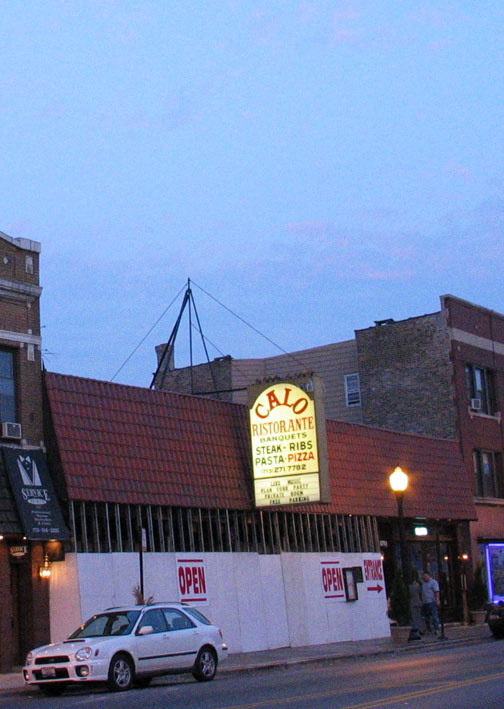 Calo Pizzeria Restaurant , Chicago