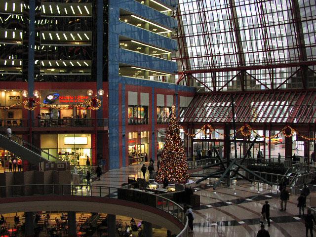 Thompson Center , Chicago